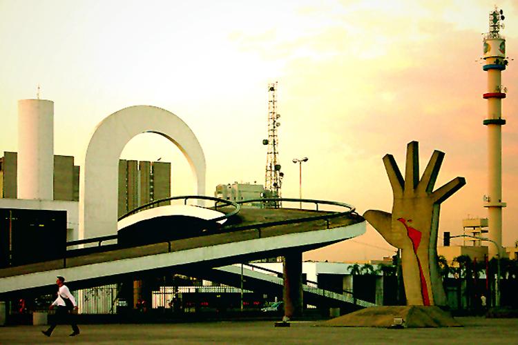 """O Memorial da América Latina, na Barra Funda, em SP, a """"casa"""" do Verão 2014 da Casa de Criadores"""