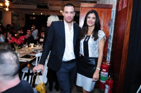 Pedro Lourenço e Carla Assumpção, diretora da Swarovsky.