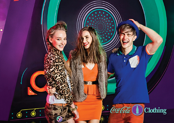 CAMP-2013-WINTER-COCA-COLA-CLOTHING-3