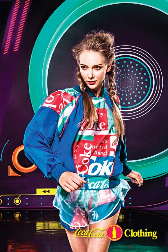 CAMP-2013-WINTER-COCA-COLA-CLOTHING-7