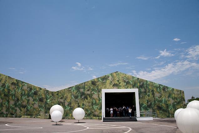 A tenda do SPFW montada no Parque Villa Lobos