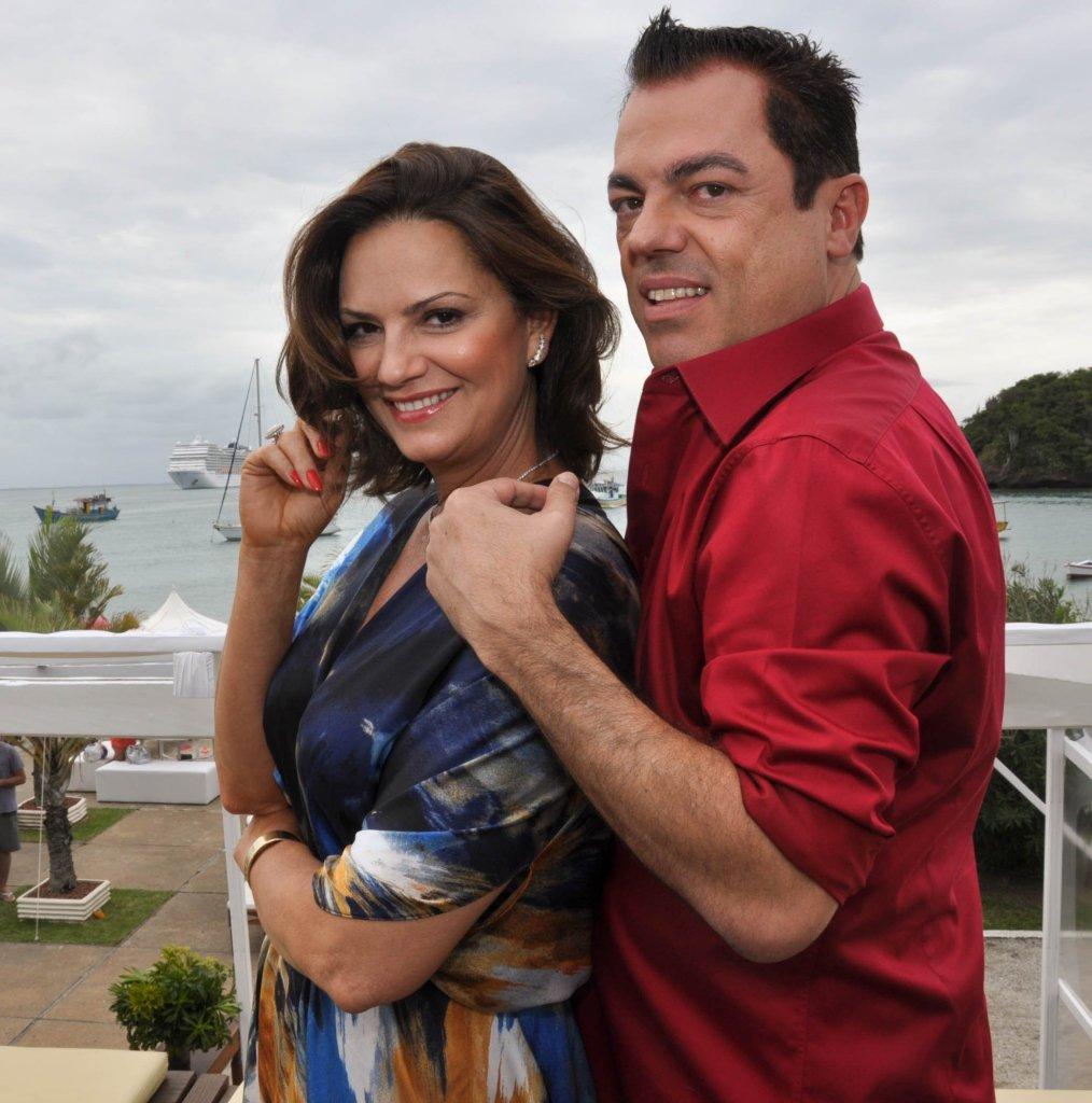 Luiza Brunet e o top cabelereiro Marco Antonio de Biagi