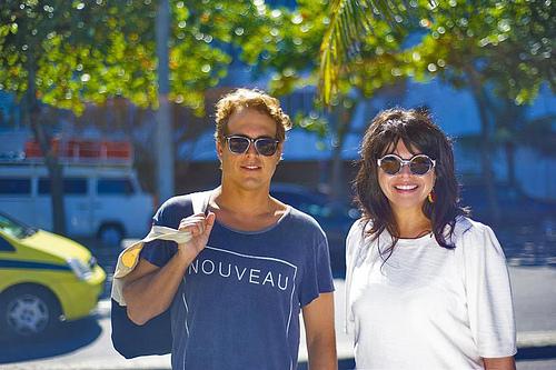 O estilista Maxime Perelmuter e a consultora de moda Renata Abranchs (foto: divulgação)