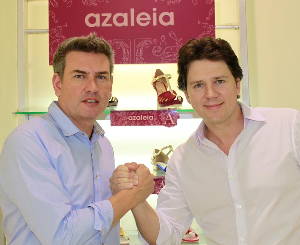 O designer Jorge Bischoff e Pedro Bartelle, diretor de Marketing da Vulcabras   Azaleia
