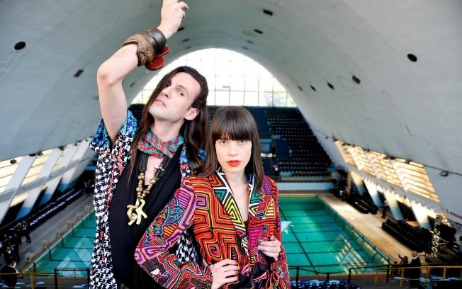 A dupla Neon: Dudu Bertholini e Rita Comparato