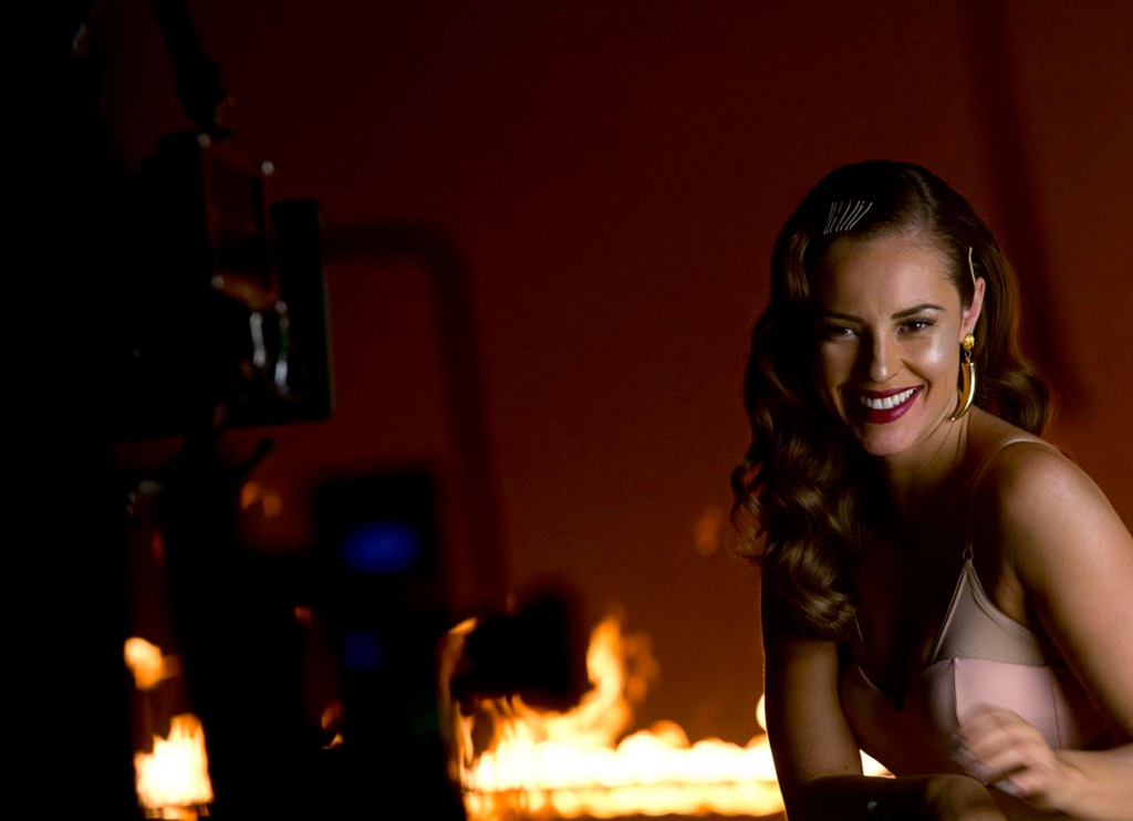 A atriz no making of da campanha