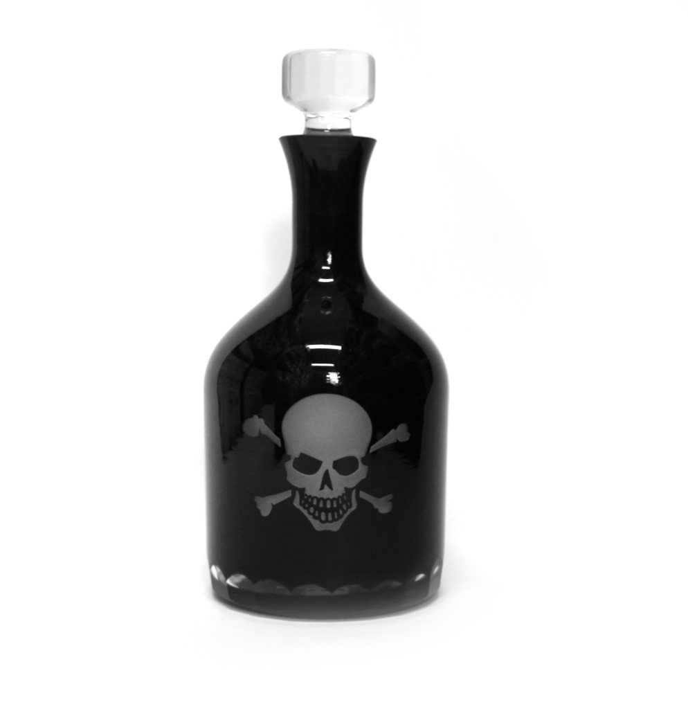 Garrafa Skull, R$ 898,00, na Sergio K Home