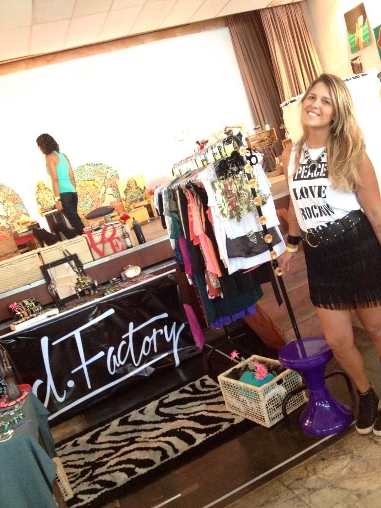 A estilista Paula Prado criadora da D.Factory