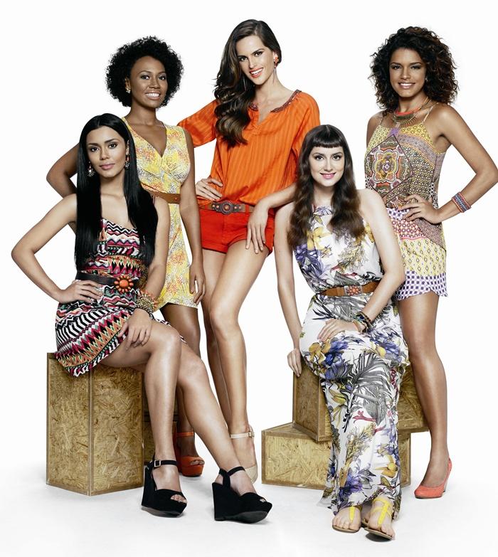 """A top Izabel Goulart com as """"Poderosas do Brasil"""", com Bruna Foureaux, Uana Mahin, Kiki Vaz e Rocicleide Souza. (Foto: Divulgação)"""