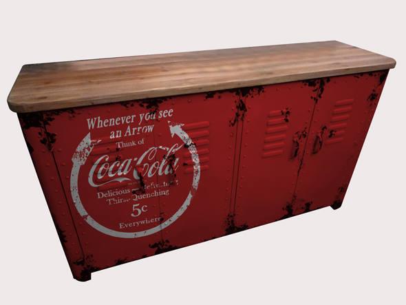 size_590_Mesa_da_Coca-Cola