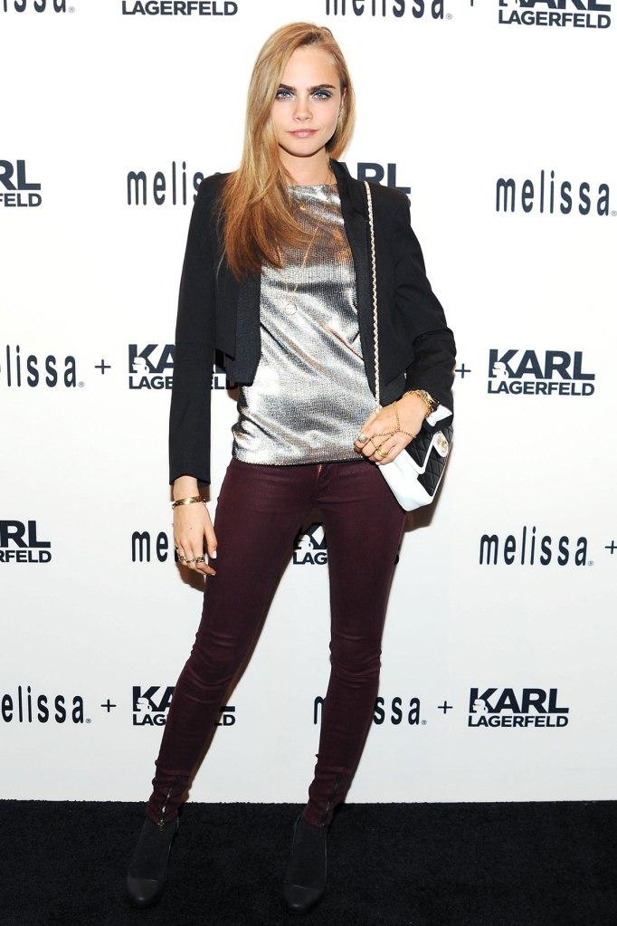 A modelo no lançamento da coleção Melissa by Karl Lagereld