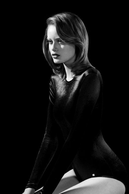 Thairine Garcia foi fotografada por Gui Paganini como capa do calendário