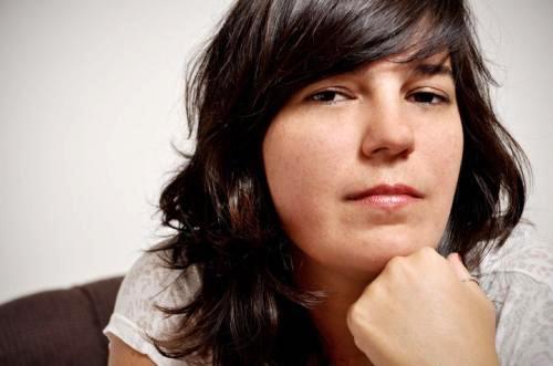 A maquiadora Mari Gorini do Crystal Hayr Leblon