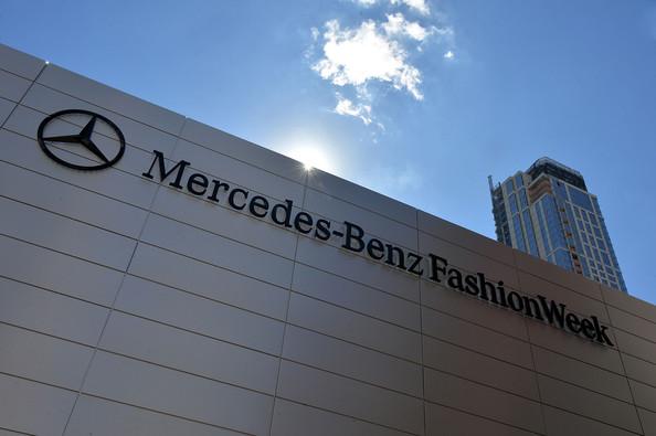 Seen+Around+Lincoln+Center+Day+0+Mercedes+DxPjHhhExA-l